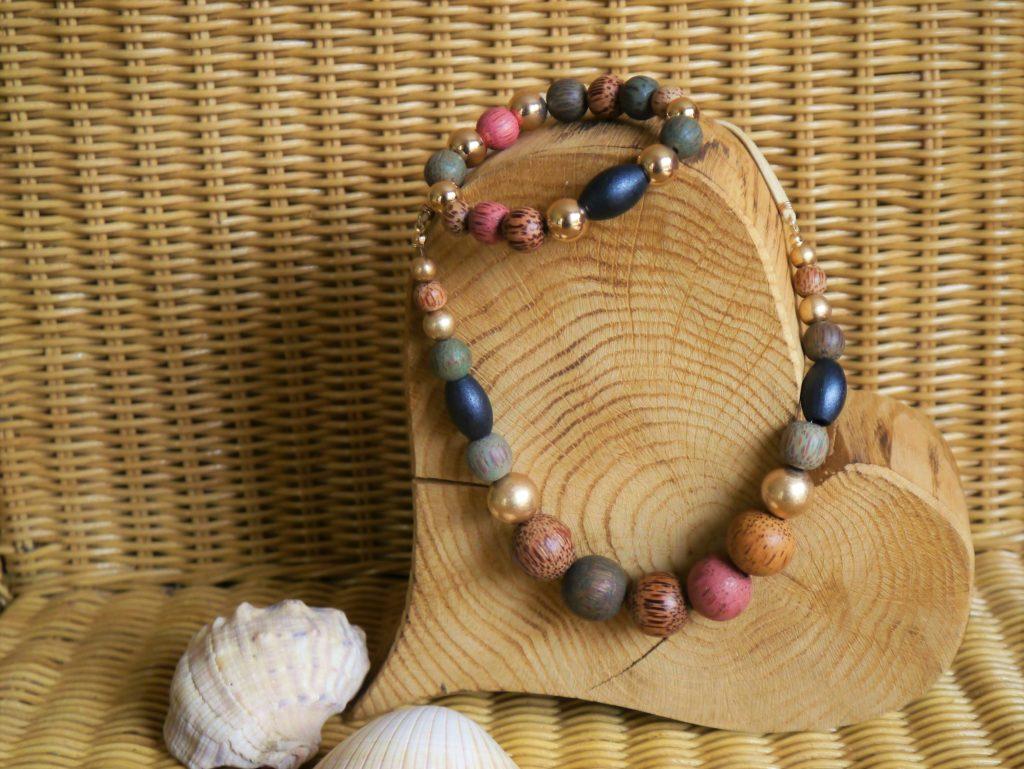 Kette und Armband mit Holzperlen